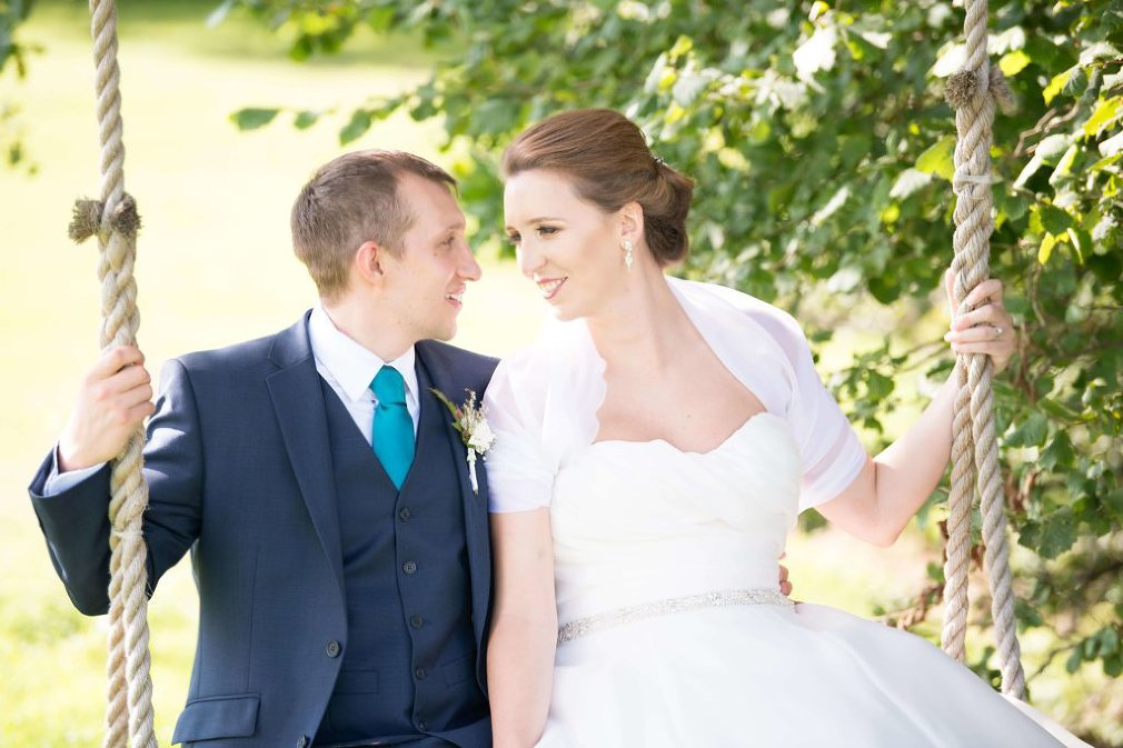 How to choose a wedding photographer | natural wedding photography | Rebecca Kathryn Photography